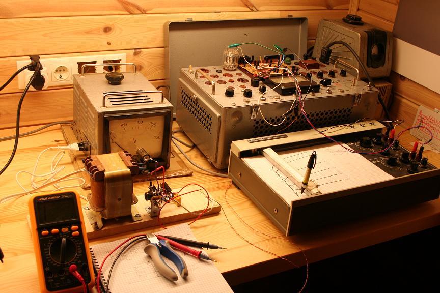 схема автоматического зарядного устройства с защитой